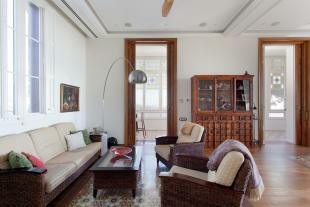 Living room wood floor Villa Paula Zona Alta Barcelona
