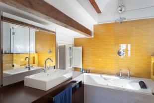 Bathroom bath tub tiled yellow Villa Paula Zona Alta Barcelona