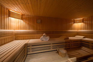 Sauna at Valentine 210