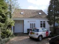 2 bedroom Detached house in Chiltern Road, Dunstable...