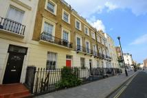 Flat in Warwick Way, London