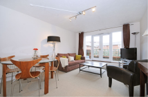 2 bedroom Flat to rent in Broadley Terrace...