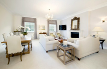 3 bedroom Flat to rent in Grosvenor Square...
