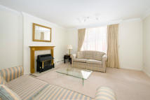 3 bed home to rent in Beverston Mews...