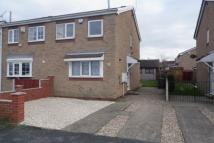2 bed semi detached home to rent in Homestead Garth...