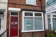 2 bed Terraced property in Leonards Avenue...