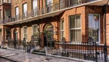 2 bedroom Flat to rent in Nottingham Place, London...