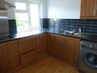 Flat to rent in Brookfield Road...
