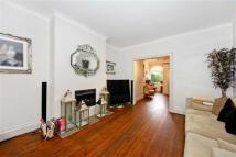 5 bed house in Park Drive, Golders Green