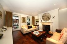 Flat in Hampstead Hill Gardens...