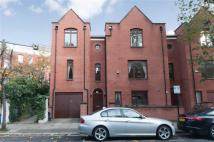 4 bed Detached house in Castellain Road...
