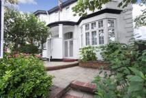 4 bed Detached house in North End Road...
