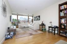 2 bedroom Flat in Lymington Road...