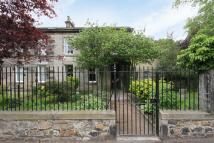 5 bed semi detached property in 89 Restalrig Road...