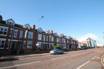 Sir Matt Busby Way Terraced house to rent