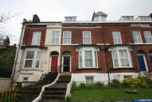 1 bedroom Flat to rent in Grammar School Road...