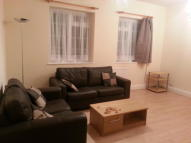 Ground Flat to rent in Brent Street, London, NW4