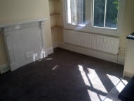 1 bedroom Studio flat in Forburg Road, London, N16