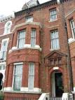 Studio flat in Warrington Cresent...