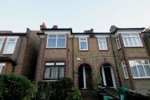 1 bedroom Ground Flat in Ravenscroft Road...