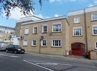 Flat to rent in ENGLEFIELD ROAD, London...