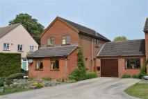 Detached property to rent in Swinnell Close...