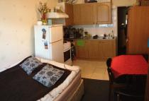 Ground Flat to rent in Fairbrook Close, London...