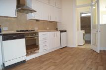 Flat to rent in Limes Avenue, London, N12