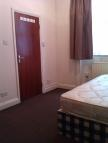 Studio flat to rent in Green Lanes, London, N13