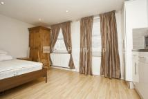 Studio flat in Roman Road, Bow, E3