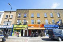 3 bed Flat in Burdett Road, Mile End...