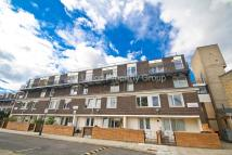 Flat to rent in Pulteney Close, Bow, E3