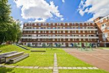 4 bedroom Flat in Fellows Court...