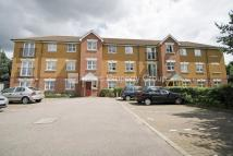 Apartment to rent in Heathside Close, Ilford...