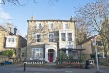 2 bed Flat to rent in Hermon Hill, Wanstead...