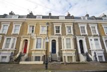 Flat in Tomlins Grove, Bow, E3