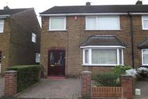 3 bed property to rent in Wellfield Close, Bury