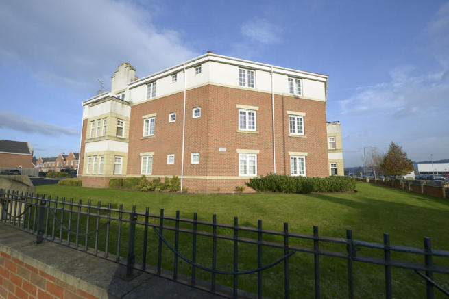 2 Bedroom Apartment For Sale In Archdale Close Chesterfield S40