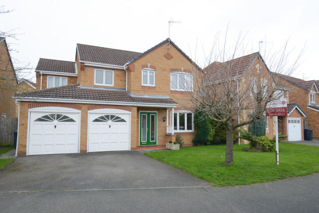 4 Bedroom Detached House For Sale In Holme Park Avenue