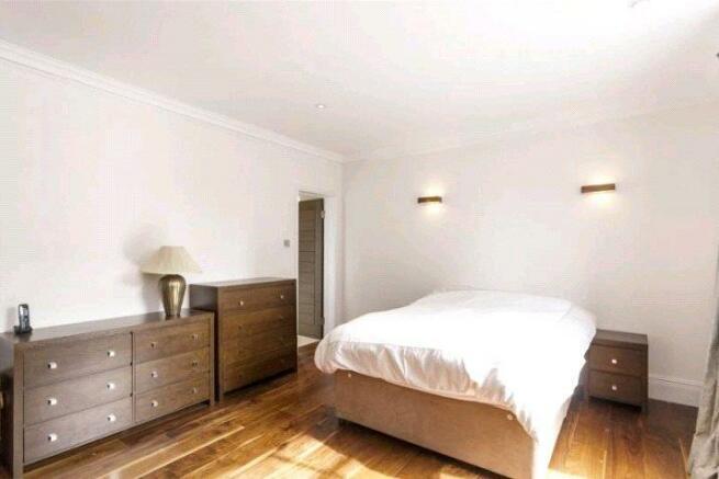 Flat 5 Bedroom.jpg