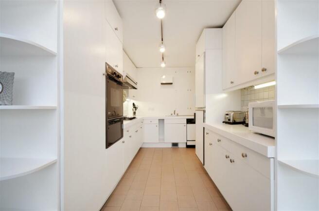 34 CH Kitchen.jpg