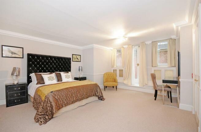 1 HHFJ bedroom 1.jpg