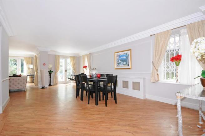 1 HHFJ living room,