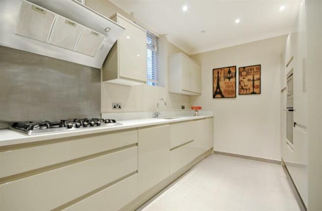 GF 95 FJ kitchen.jpg
