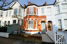 2 bedroom Flat in Lavenham Road, London...
