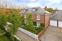 5 bedroom Link Detached House for sale in Shoesmith Lane...