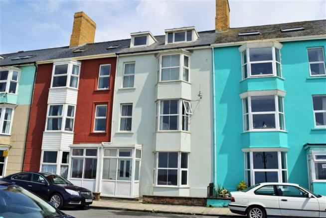 2 bedroom flat for sale in middle flat 5 south marine for 11 marine terrace