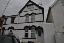 Double Room in an all Female Shared House in Summerland Place Detached property to rent