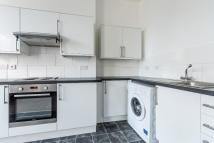 Flat to rent in Church Road...
