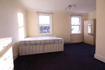 Flat to rent in Sunnyhill Road...